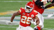 12 Players To Buy or Sell In Dynasty Leagues (2021 Fantasy Football) photo
