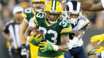 Aaron Jones Provides A Solid Floor & Upside (2019 Fantasy Football) photo