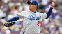 Fantasy Baseball Injury Report: Edwin Encarnacion, Aaron Hicks, Hyun-Jin Ryu photo